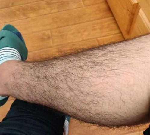 男人腿毛很多说明什么?性能力会更强吗?
