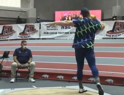 22.82米!铅球室内世界新纪录诞生!怎样才能把铅球扔远?