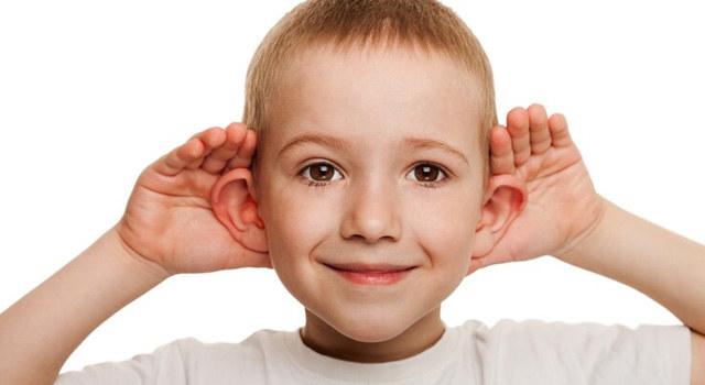 """人工耳蜗手术助他们回归""""有声世界"""""""
