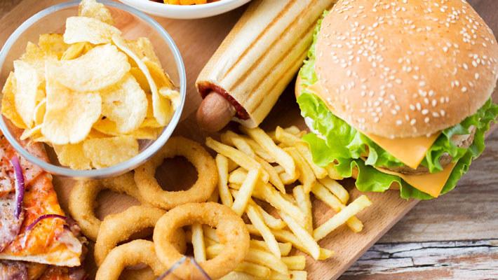 一周一顿欺骗餐,减肥的你真的需要它吗?