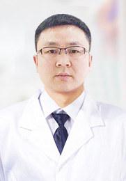 易忠仁 风湿免疫科科主任 中华医学会风湿病分会会员 原云南肝病医院院长