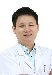 周远沛 住院医师 师从屈光专家刘苏冰教授 视光眼科准分子激光中心主刀医生 视光眼科屈光组负责人