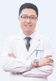 马腾 曾任职于上海九院修复外科 中国医师协会美容与整形医师分会会员 V定制医学美容医生团核心成员