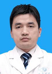 黄旭 主任医师 南昌大学兼职副教授 擅长为屈光不正患者手术 专攻全飞秒