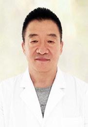 丁健 科室主任 毕业于白求恩医科大学 从医30余年 仁心仁术