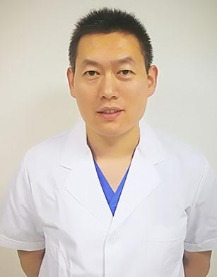 张建辉 主治医师 包皮包茎科室主任 工作十余年 擅长男科疑难手术探查与研究