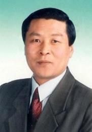 都?#32487;?主任医师 医学博士 研究生导师 毕业于北京中医药大学