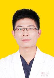 张永涛 执业医师 双眼皮手术 隆鼻手术 自体脂肪填充
