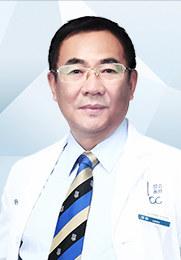 邢新 主任医师 北京联合丽格第一医院整形外科院长 中国整形美容协会原常务理事