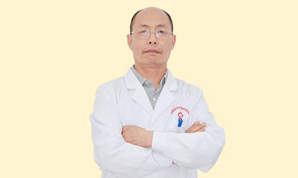 张旭光 执业医师 普济方抗癌专家组成员 从事抗癌工作30余年 中医抗癌消瘤体系传承发扬者