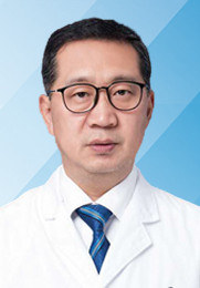 金平超 主治医生 毕业于中国医科大学 从事甲状腺疾病的临床诊疗工作30余年 具有丰富的临床工作经验,