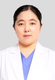刘志宇 副主任医师 临床工作25年 毕业于长春中医药大学 发表国家级论文多篇