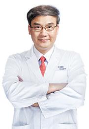 林顺潮 主任医师 亚太玻璃体视网膜黄斑学会会长 国际眼科科学院士 亚太眼科科学院秘书长
