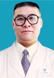 韩向东 癫痫专家 从事临床研究治疗工作40余年 个性化精确治疗癫痫病 深受患者信任