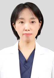 李素娟 副主任医师 无痛人流专家 从事妇产科临床工作20余年 曾在吉大一院及长春市妇产医院进修学习
