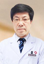 吴跃申 副主任医师 盐城华研皮肤病专科主任 从事白癜风临床科研三十余年