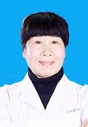 杨雅芬 主任医师 毕业于佳木斯大学 国家二级心理咨询师 上海新科脑康医院名誉院长
