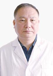 柯鹏飞 门诊主任 中西医结合治疗方法 丰富的临床经验 受到多方面好评